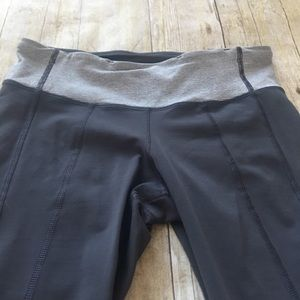 lululemon athletica Pants - Lululemon Gray Crops Size 6